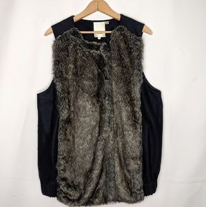 Anthropologie Elevenses Faux Fur Vest Size Medium